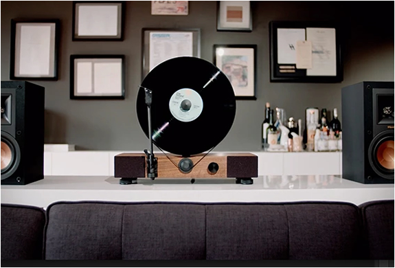 floating-record-vertical-turntable-7